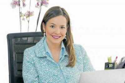 En la Cámara de Comercio de Bucaramanga, Laura Valdivieso lideró una agenda que incluyó reducir la brecha entre la educación pública y privada, la gestión pública junto al Comité de Transparencia por Santander, y la consolidación de la Comisión Regional de Competitividad.