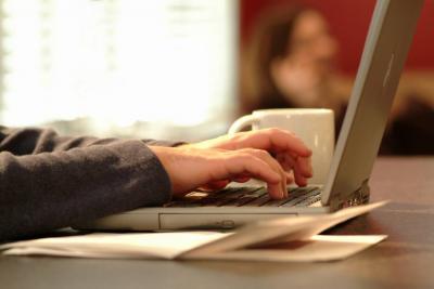 La no adopción de la factura electrónica dará lugar a la sanción de clausura del establecimiento.