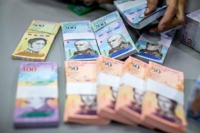 Maduro anunció el viernes que los ingresos de los trabajadores se multiplicarán por 35.