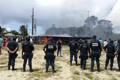 Tras el suceso y los disturbios, el Gobierno desplazó a 120 agentes de la Fuerza Nacional de Seguridad a la localidad fronteriza de Pacaraima.