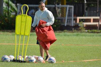El argentino Flavio Robatto es nuevo técnico del Bucaramanga