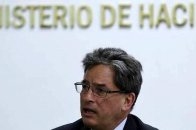 Ministro de Hacienda propone que toda la canasta familiar pague impuestos