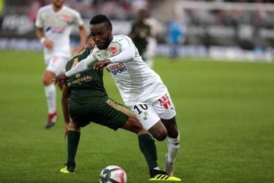 Dijon mantiene el ritmo del Paris Saint Germain