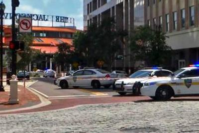 Al menos 4 muertos dejó tiroteo en centro comercial en Florida