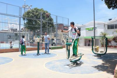 Marval remodeló el parque Pablo VI de Bucaramanga