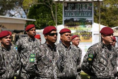 Brasil despliega al Ejército para proteger su frontera con Venezuela
