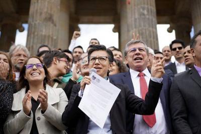 Promotores de la Consulta aplazan radicación de proyecto al Congreso