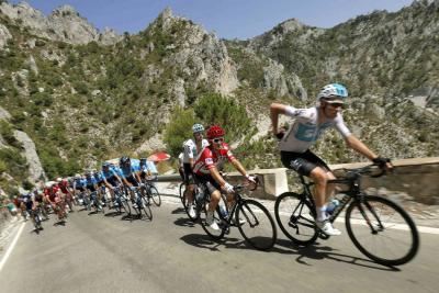 Clarke ganó la quinta etapa y Molard es nuevo líder de la general de la Vuelta