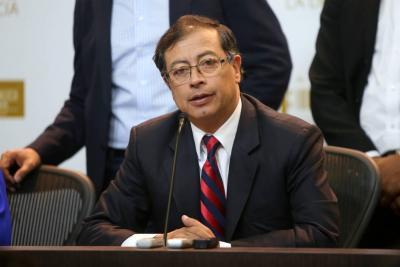 Petro mantendrá su curul, pero no podrá declararse en oposición
