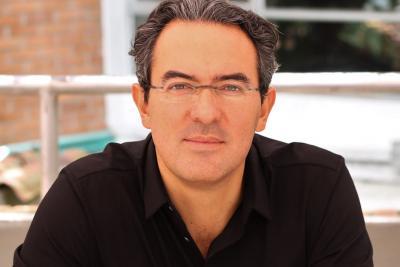 """""""Las novelas van a lugares no explorados"""": Juan Gabriel Vásquez en Ulibro 2018"""