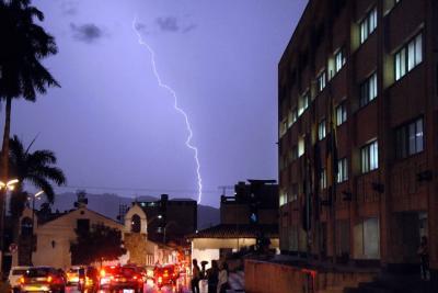 En una noche, en Santander cayeron 5.939 rayos