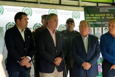 """""""En Bucaramanga se va fortalecer la presencia de Policia"""": Duque"""