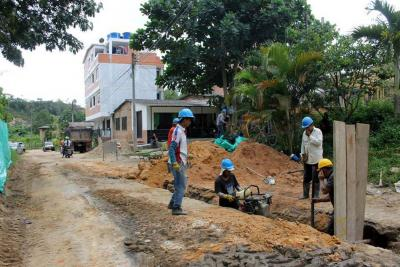 Avanzan obras de infraestructura vial