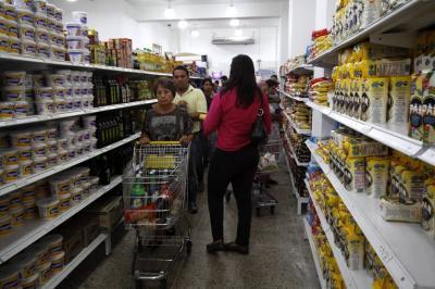 Los hogares siguen moderados en su volumen de compras