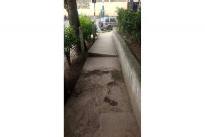 Lagos II se quedó esperando arreglo de un sendero peatonal