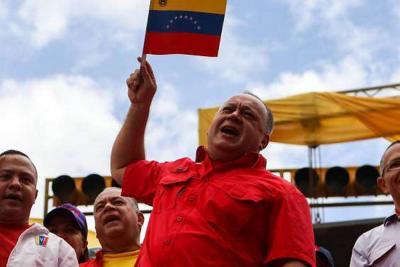 Jóvenes se están yendo de Venezuela por moda, aseguró Diosdado Cabello