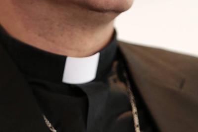 Sacerdotes colombianos fueron detenidos en EEUU teniendo sexo oral en un carro