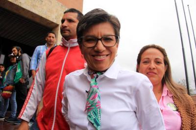 Exsenadora Claudia López mantendrá su investidura