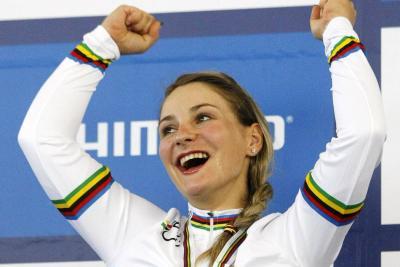 La ciclista Kristina Vogel quedó parapléjica tras sufrir un accidente