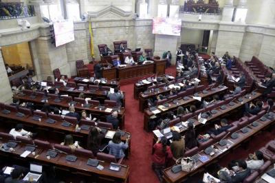 Ley prohibiría el uso de pitillos plásticos en Colombia