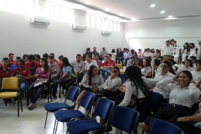 Buscan motivar a jóvenes a participar en la política