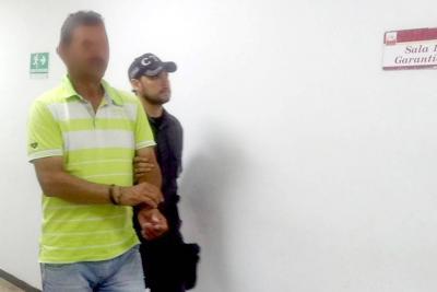 El pasado viernes el entrenador de fútbol fue presentado en audiencia. Un juez lo envió a prisión.