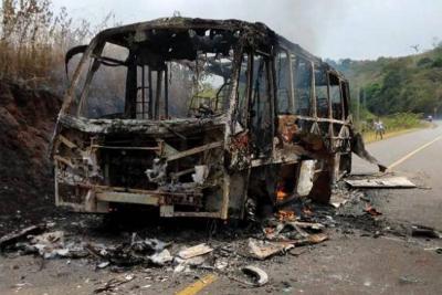 Autoridades investigan quema de bus en el norte del Cauca