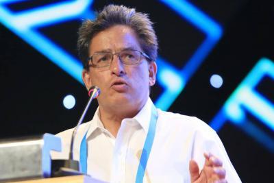 Ministro Alberto Carrasquilla es acusado de enriquecimiento con una empresa en Panamá
