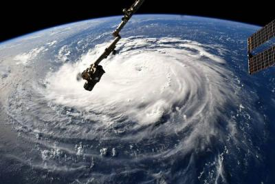 Evacúan costas de Carolina del Sur ante llegada de Florence a EEUU
