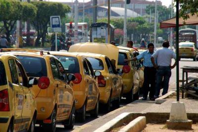 """Por inseguridad, a algunos barrios no podemos entrar"": taxistas de Barrancabermeja"