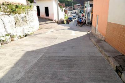 Dos obras de redes y pavimento  se inauguraron en Hoyo Grande