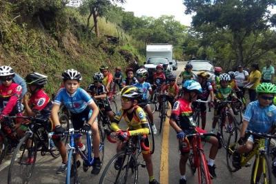 Entre los participantes, además de los santandereanos, hubo deportistas de Norte de Santander, Antioquia, Boyacá y Cundinamarca. Agradecen el acompañamiento de las autoridades.