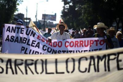 Con protesta masiva campesinos exigen renuncia del presidente de Guatemala, Jimmy Morales