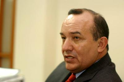 Por presentar diplomas falsos, condenan al exalcalde de Floridablanca Eulises Balcazar