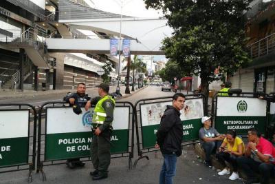 Adelantaron fuerte operativo en busca de contrabando en San Andresito La Isla de Bucaramanga