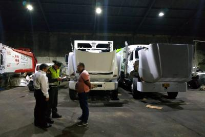 Vehículos de basuras cumplen con las normas