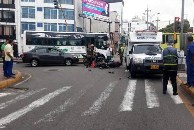 Motociclista gravemente herido tras chocar contra una ambulancia en Bucaramanga