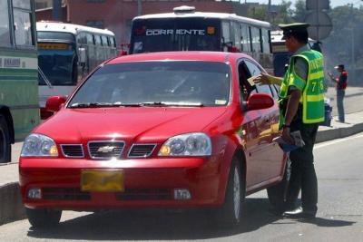 Solo el 31 % de los comparendos de tránsito se pagan en Colombia