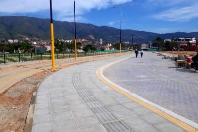 A buen ritmo siguen las obras del Parque Lineal en Girón