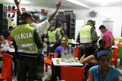 Apuñalan a un Policía que intervino en una pelea en el Centro de Bucaramanga