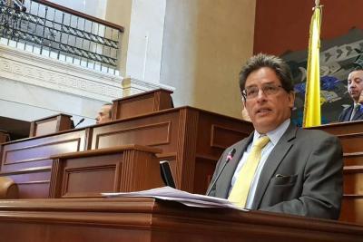 Esta semana el Congreso hará debate a Carrasquilla