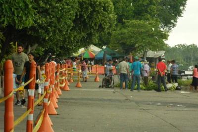 Siguen ventas en Paseo del Río, pese al cierre de la tablestaca