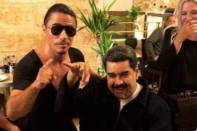 Polémica visita de Nicolás Maduro a restaurante de Salt Bae