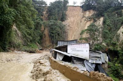 Afectados por deslizamiento en La Corcova no han recibido subsidios de arriendo