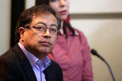 """Petro se despachó de nuevo contra Uribe en supuesta """"rectificación"""""""
