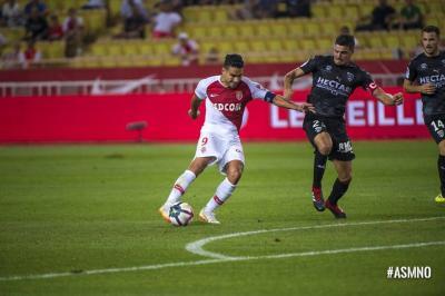Falcao anotó y evitó una nueva derrota del Mónaco