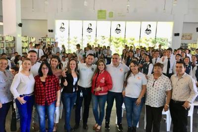 U4 visitó a estudiantes de las provincias Comunera y Vélez