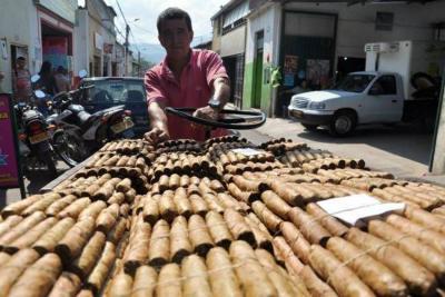Gremios del tabaco y la mora recibieron insumos
