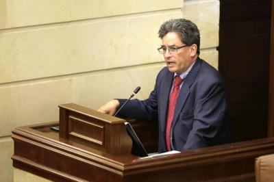 Oposición tiene lista la moción de censura contra el ministro Carrasquilla