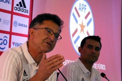 Pensando en Colombia, Osorio hizo convocatoria paraguaya